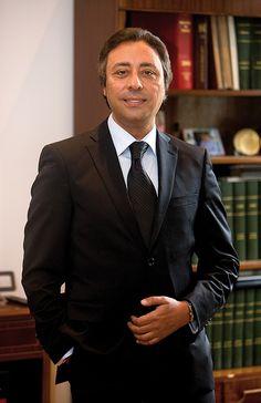 Pour comprendre Ies pays arabes. Il faut revenir à l'histoire récente, Tous ont recouvré l'indépendance dans Ia seconde partie du siècle dernier et chacun a choisi sa propre voie dans la construction d'un Etat. Ce n'est donc pas un bloc monolithique. Au Maroc, Ie processus de démocratisation a été engagé il y a une quinzaine d'années, avec l'alternance et l'arrivée de la gauche au pouvoir en 1997, fondée sur la conviction du roi Hassan II qu'…
