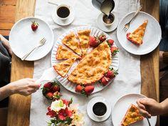 Du bist auf der Suche nach neuen Kochinspirationen? Unsere kreative Community hilft dir auf die Sprünge! Jede Woche erreichen uns leckere Rezepte aus der Community, von denen wir das beste auswählen, nachkochen, fotografieren und veröffentlichen. Wenn auch dein Rezept dabei sein soll, schicke es an community@kitchenstories.de!