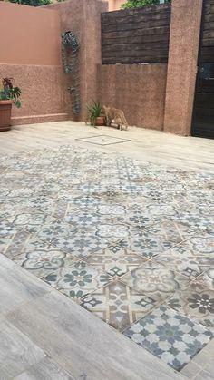 D Anticatto Mix Varese anti-slip CIII soft to the touch, porcelain stoneware . Floor Design, Tile Design, Pergola Patio, Backyard, Porch Tile, Patio Tiles, Brick Wall Decor, Outdoor Tiles, Patio Flooring