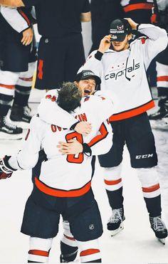 Caps Hockey, Hockey Teams, Hockey Players, Ice Hockey, Washington Capitals Hockey, We Are The Champions, Stanley Cup Champions, New Star, Nhl