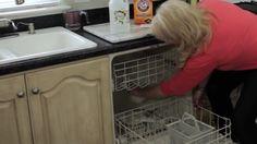 Dreck und Gestank ade! Guter Rat, Plastic Laundry Basket, Cleaning Hacks, Baking Soda, Life Hacks, Kitchen Cabinets, Kitchen Appliances, Keto, Hacks