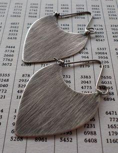 Aretes de plata esterlina cepillados aros de por LisaFlanders