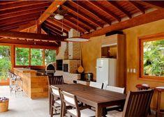 Casa de campo à beira de uma represa: inspire-se com projeto de reforma   Casa & Construção #decoracioncasasdecampo #casasdecampomodernas