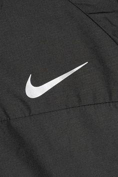 Nike - Shield Hooded Shell Jacket - Black - x large
