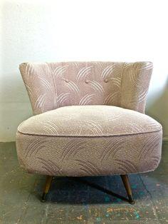 Mid Century Mod Tub Barrel Style Swivel Chair Frieze Kroehler Metal