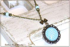 Cabochon Schmuck - Kette mit Glasanhänger blau weiß - ein Designerstück von DaBeaS-Perlenmaschen bei DaWanda