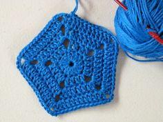 #Crochet pentagon motif free pattern from @crochetspot