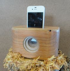 Natural wood acoustic speaker available for iPhone by ThisOldLog