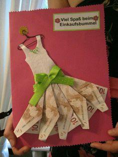 Geld liebevoll verpacken  Kleid   viel  Spaß  beim  Einkaufsbummel