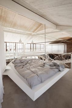 The Austrian architecture studio smartvoll won the prestigious AZ Award 2018 for their project Loft Panzerhalle in Salzburg, Austria Loft Staircase, Concrete Staircase, Staircase Design, Loft Design, House Design, Interior Architecture, Interior Design, Loft Interiors, Apartment Renovation