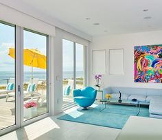 Enjoy your view with the press of a button (or with the myLink app) thanks to motorized shades, powered by Somfy!
