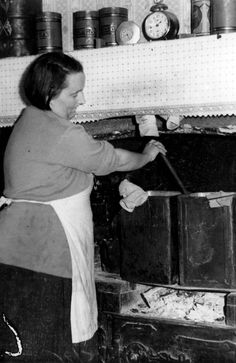 May 1936: Wash day for Richmond mother of seven. Conditions such as these were common in the Richmond area. Picture: Herald Sun Image Library