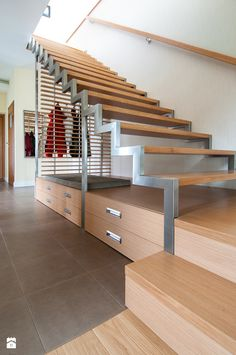 I Like the way the stairs are integrated with storage