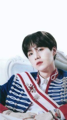 why does he looks like a real prince 😫♥️ Jung Hoseok, Kim Seokjin Bts, Min Yoongi Bts, Suga Suga, Bts Bangtan Boy, Daegu, Foto Bts, Bts Photo, Yoonmin