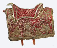 Velvet Polish saddle embroidered with gold thread by Anonymous from Poland, first half of the 17th century, Livrustkammaren