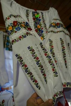 Cross Stitch Patterns, Dress Skirt, Embellishments, Kimono Top, Homemade, Costumes, Womens Fashion, Dresses, Embroidered Clothes