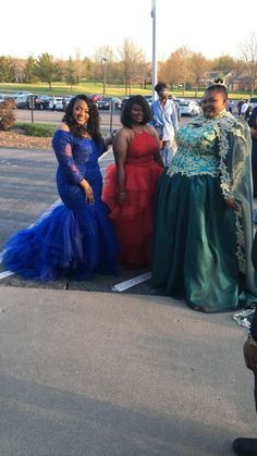 Big is better and beautiful 🥰 Plus Prom Dresses, African Prom Dresses, Black Prom Dresses, Homecoming Dresses, Beautiful Wedding Gowns, Wedding Dress Styles, Curvy Fashion, Plus Size Fashion, Wedding Dress Silhouette