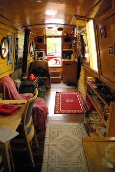 22 Canal Boat Interior Decor Inspiration for All Spaces Well Occupied Mini Loft, Canal Boat Interior, Narrowboat Interiors, House Boat Interiors, Canal Barge, Houseboat Living, Living On A Boat, Cozy Living, Build Your Own Boat