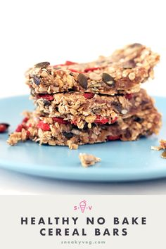 Healthy no bake cereal bars packed full of great ingredients, such as dates, seeds, oats and berries. Great for lunchboxes or a healthy snack. Lunch Box Recipes, Gourmet Recipes, Breakfast Recipes, Snack Recipes, Healthy Recipes, Lunchbox Ideas, Breakfast Bars, Gf Recipes, Breakfast Ideas