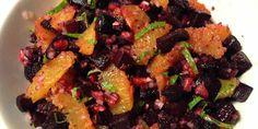 Lækker rødbedesalat med rødbeder bagt i ovn, saftige appelsiner, frisk mynte og flotte kerner fra granatæble. Skønt tilbehør til de fleste retter.