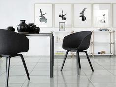 Er was eens een stoel ´About a Chair´ van het Deense designmerk Hay. Hier in de gestoffeerde variant met Steelcut Trio stof.