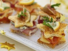 3 New Year's Eve finger food recipes and a lot of tasty inspiration at the beginning of the year - Essen & Rezepte - noels New Years Appetizers, Christmas Appetizers, Appetizers For Party, Appetizer Recipes, Sandwich Recipes, Party Snacks, Simple Appetizers, Simple Snacks, Appetizer Ideas