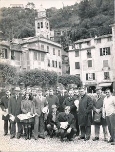 La squadra di calcio del Milan, neo vincitrice dello scudetto del 1968 posa per il fotografo nella piazzetta a Portofino.  Milan soccer team in Portofino. (Photo: ANSA, 1968) #Portofino #piazzetta #Riviera #Liguria #Milan