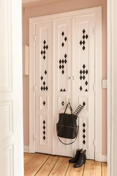 Graines d 39 id portes diy doors on pinterest interior for Neon decoration interieur