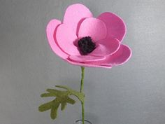 Pink Poppy Flower Made of Felt - Pink Flower - Artifical Flower on a Long Stem - Fake Flower - Felt Flower - Artificial Poppy - Fake Poppy. This is a beautiful flower made of felt that lasts forever! It looks great in a vase by itself or as part of a bouquet. The stem is made of a floral wire, so it is stable but bendable. Price is for one flower. If you want another color, please check my shop. If you don't see the color you want there, please message me. I have many different colors of…