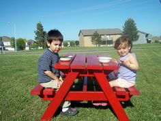 Big kids picnic table in red... Brandon needs to build one of these for the back yard! Found the perfect one on Ana-white.com