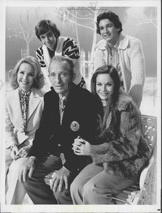 singer songwriter actor bing crosby and his family in his 1976 white christmas special - Bing Crosby Christmas Special