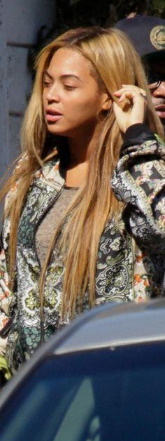 ... Natural Face, Natural Looks, Beyonce Knowles, Print Jacket, Record Producer, Dreadlocks, Singer, Actresses, Long Hair Styles