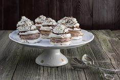 CN1A4995 Pavlova, No Bake Cake, Sweets, Baking, Desserts, Recipes, Food, Cakes, Tailgate Desserts