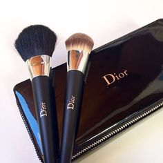 Dior make up brushes Dior Makeup, Love Makeup, Skin Makeup, Makeup Cosmetics, Makeup Haul, Perfect Makeup, Gorgeous Makeup, All Things Beauty, Beauty Make Up
