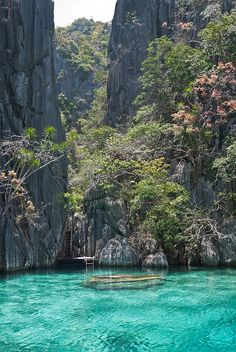 I can't even imagine such a lovely place!   Entry of Twin Lagoon, Coron, Philippines (by Pronche).