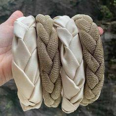Crochet Hair Accessories, Hair Accessories For Women, Diy Bow, Diy Ribbon, Diy Hair Scrunchies, Hair Bows, Diy Headband, Headbands, Bandana Styles