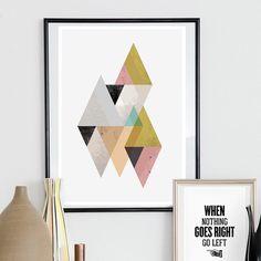 Triangle abstarct imprimer, watercolor art, sticker géométrique, art scandinave, des couleurs pastels, publicité minimalistes, milieu du siècle moderne, rétro