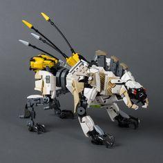 "(from ""Horizon Zero Dawn"") Sawtooth (from ""Horizon Zero Dawn"") Lego Mecha, Lego Bionicle, Horizon Zero Dawn, Lego Design, Diy Design, Construction Lego, Lego Bots, Lego Animals, Cool Lego Creations"