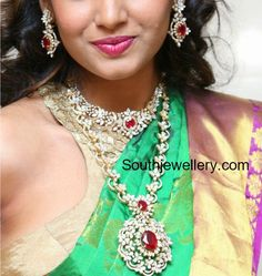 Simple Diamond Necklace and Haram set photo South Indian Jewellery, Indian Jewellery Design, Indian Jewelry, Jewelry Design, Wedding Jewelry, Gold Jewelry, Diamond Necklace Simple, Beautiful Indian Actress, Indian Actresses