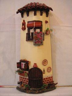 Risultati immagini per tejas decoradas Garden Nook, Fairy Garden Houses, Paper Clay, Clay Art, Clay Crafts, Arts And Crafts, Decoupage, Clay Houses, Jar Lanterns