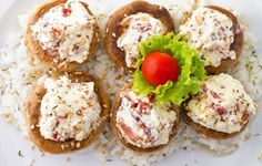 Champignons farcis au gorgonzola et pignons de pin