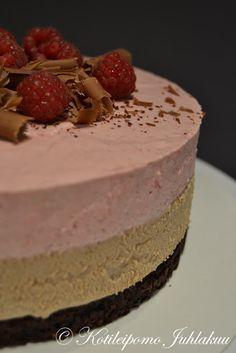 Suklaa- ja vadelmamoussekakku Cheesecake, Desserts, Food, Tailgate Desserts, Deserts, Cheesecakes, Essen, Postres, Meals
