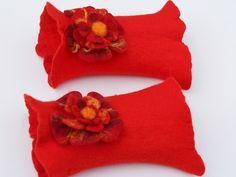 rote gefilzte feine Pulswärmer,Armstulpen,Stulpen - cuffs by Mafiz - Arm warmers - Gloves & more - DaWanda  so very cute