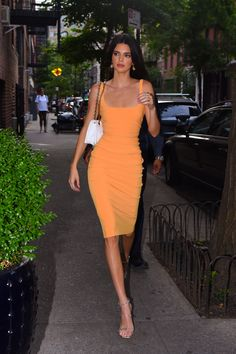 Celebrity Outfits, Celebrity Style, Model Outfits, Fashion Outfits, Dress Fashion, Estilo Jenner, Kendall Jenner Outfits, Kendall Jenner Dress, Vintage Outfits