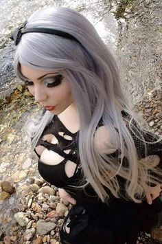 I LOVE GOTH GIRLS II - Tread carefully…