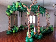 Safari Party, Jungle Party, Balloon Decorations, Balloon Ideas, Ballon Arrangement, Deco Ballon, Dinosaur Balloons, Balloon Tree, The Good Dinosaur