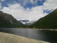 A mini-foehn wall looking northwards from the lake (Ceresole Reale, western Alps)