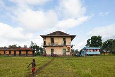 Roça Caldeiras / As Roças de São Tomé e Príncipe / Photography: ©Francisco Nogueira www.francisconogu... #architecture #photography #saotome #decay #house #africa #colonial