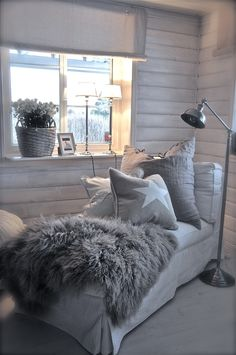 Home bedroom/ kids room/ office/ attic modern country decor - Modern Decoration Chill Lounge, Grey Lounge, Apartment Decoration, Sweet Home, Living Spaces, Living Room, Home Decor Pictures, Cozy Corner, Home And Deco