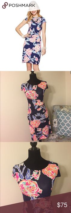 1 Hour Sale ⭐️ Lilly Pulitzer Kyra Dress in Navy Beautiful short sleeve navy floral pattern dress by Lilly Pulitzer. Ruched hip. 96% rayon, 4% spandex. Style: Kyra. Color: Bright Navy. Pattern: Pom Poms. Like new condition! Lilly Pulitzer Dresses